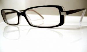 Dioptrické okuliare a kontaktné šošovky